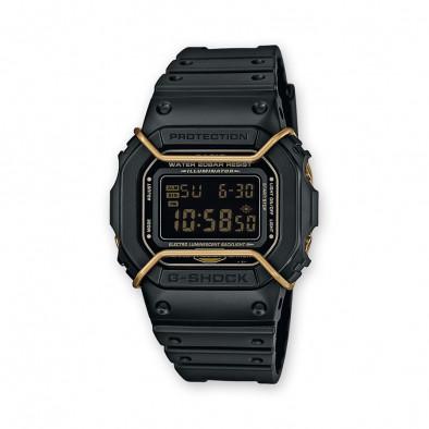 Мъжки спортен часовник Casio G-SHOCK черен със златисти елементи