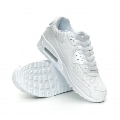 Дамски маратонки с въздушна камера в бяло it150319-53 4