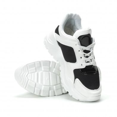 Хитови дамски маратонки в черно и бяло it250119-67 4