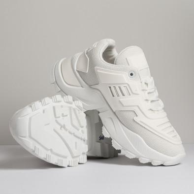 Дамски бели маратонки с гумиран детайл it280820-15 3