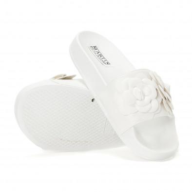 Дамски бели чехли с релефни цветя it230418-22 4