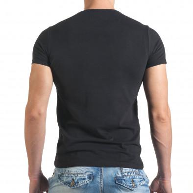 Мъжка черна тениска с шарен принт и надписи отпред il140416-21 3