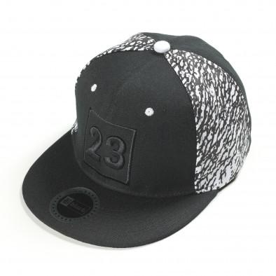 Черна шапка с номер 23 it300318-5 2
