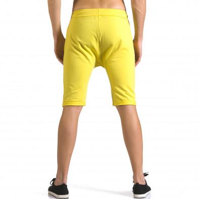 Мъжки жълти шорти с черни детайли it110316-75 3