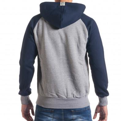 Сив мъжки суичър със сини ръкави и синя качулка it240816-35 3
