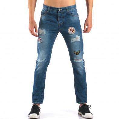 Мъжки дънки с емблеми и скъсвания it160616-28 2