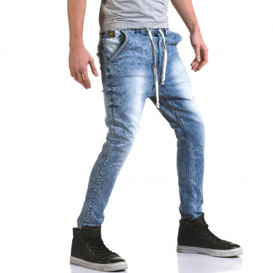 Мъжки светло сини дънки с кройка на долнище it090216-17 4