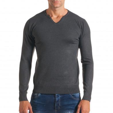 Мъжки сив пуловер с малки копчета на деколтето it170816-38 2