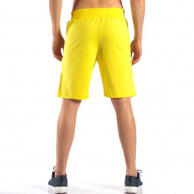 Жълти мъжки шорти за спорт изчистен модел it160616-10 3