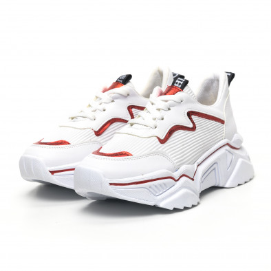 Бели дамски маратонки с акцент tr180320-18 3