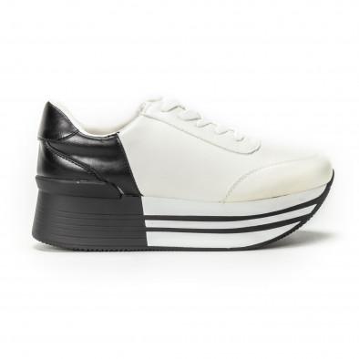 Черно-бели дамски маратонки на платформа it150818-72 2