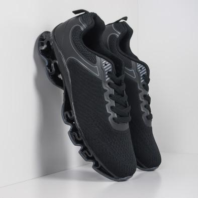 Мъжки черни маратонки с релефна подметка it260919-32 2