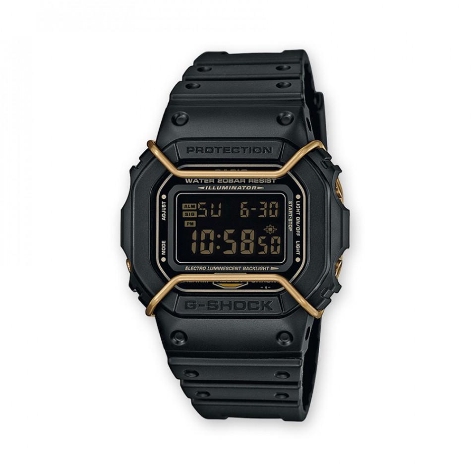 Мъжки спортен часовник Casio G-SHOCK черен със златисти елементи DW5600P1ER