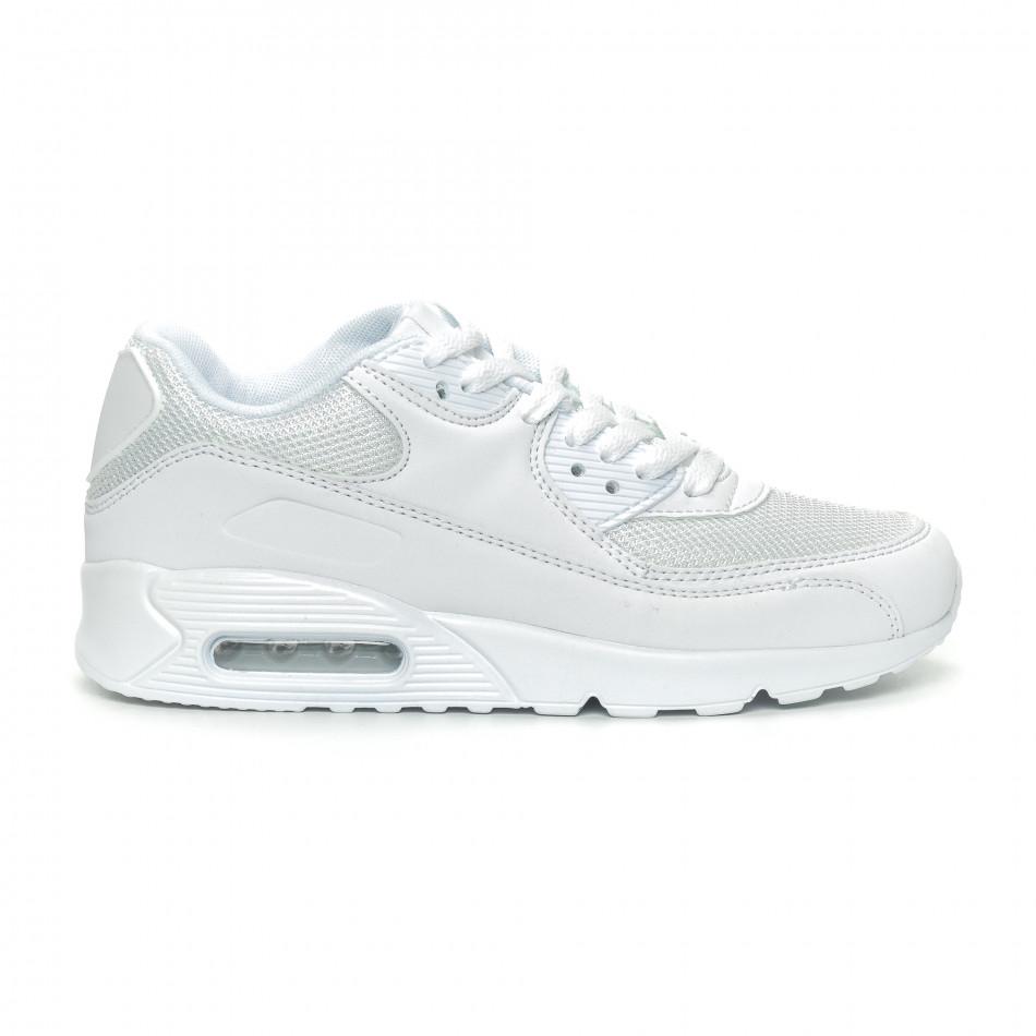 Дамски маратонки с въздушна камера в бяло it150319-53