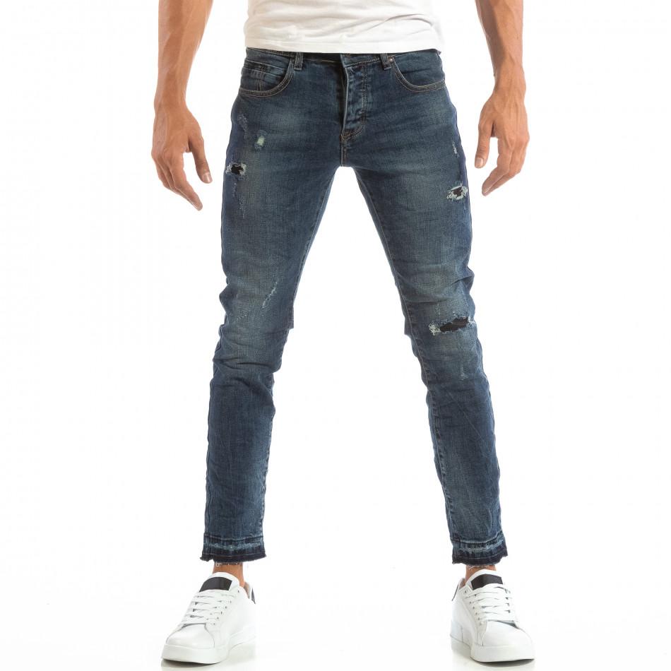 Мъжки сини дънки с кръпки и непоръбени крачоли it240818-48