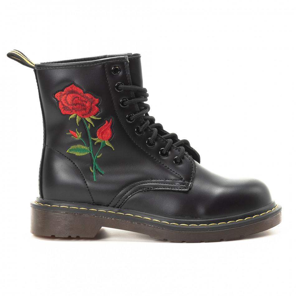 Черни дамски боти с връзки и бродерия it301118-19
