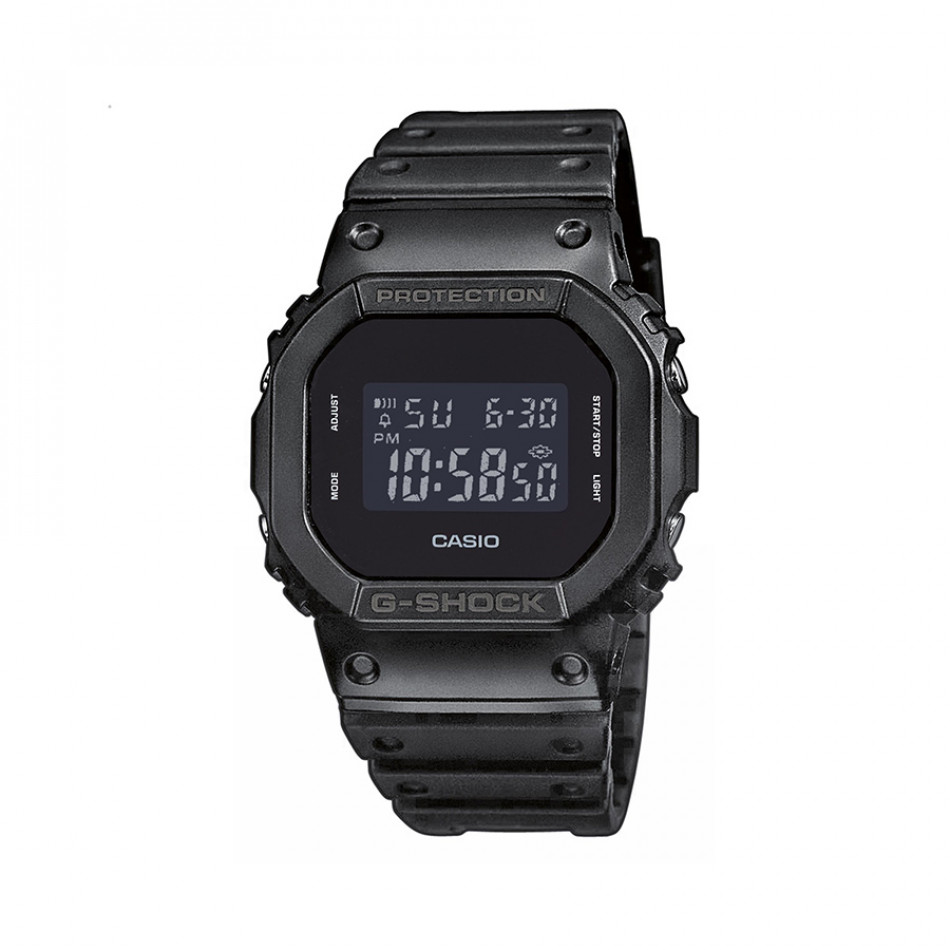 Мъжки часовник Casio G-SHOCK черен с правоъгълен дисплей DW5600BB1ER