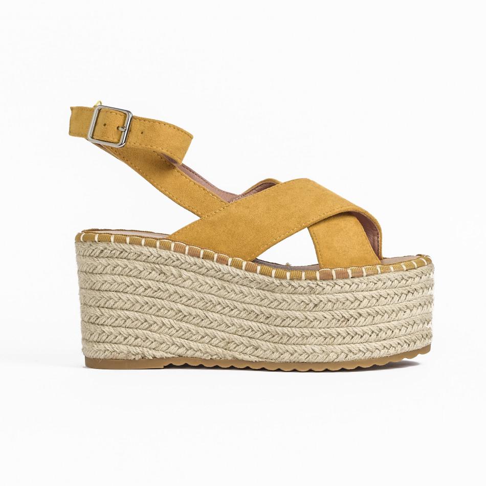 Дамски сандали на платформа в жълто it270320-6