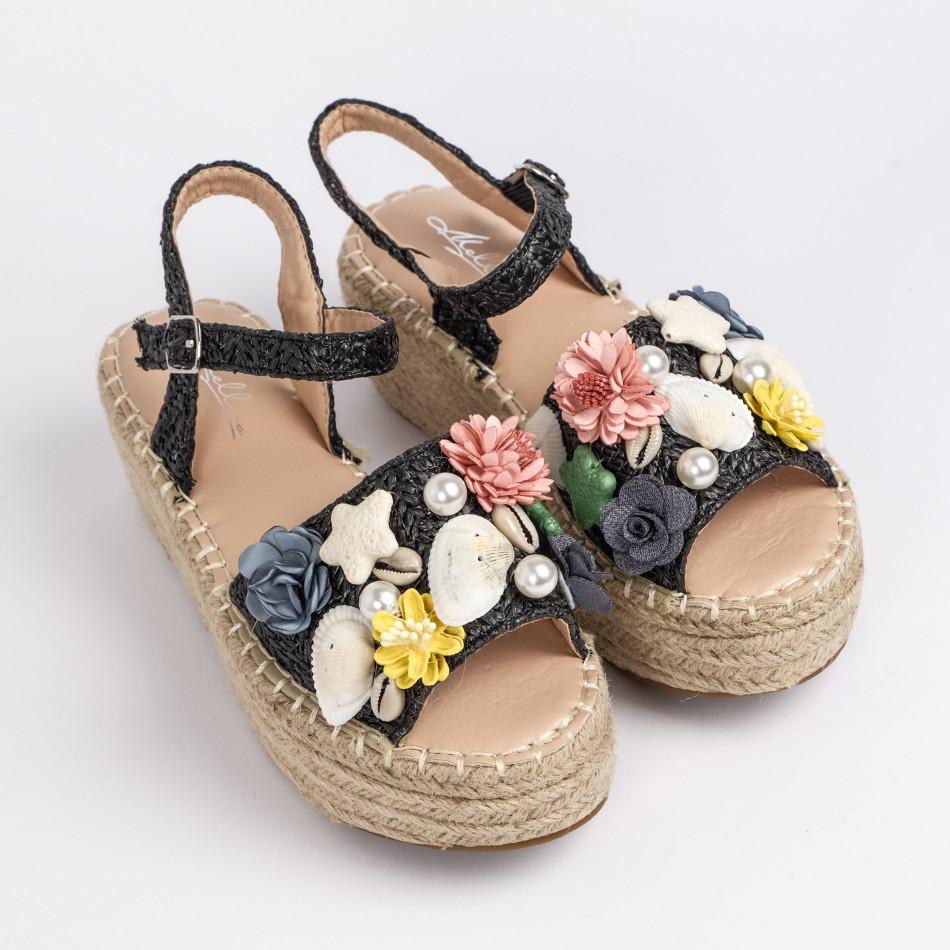 Дамски сандали в черно с декорация it270320-14