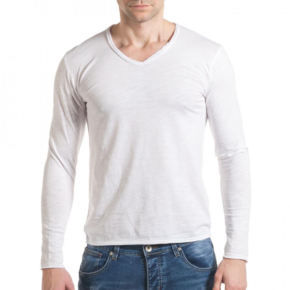 Мъжка бяла блуза с остро деколте it030217-21