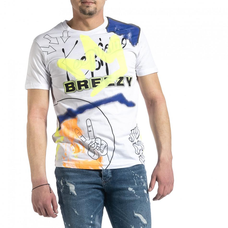 Мъжка бяла тениска с колоритен принт tr270221-38
