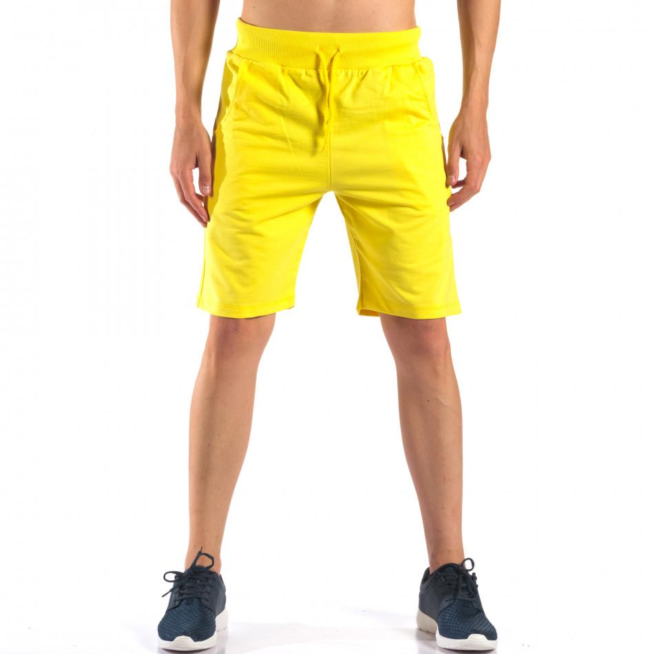 Жълти мъжки шорти за спорт изчистен модел it160616-10