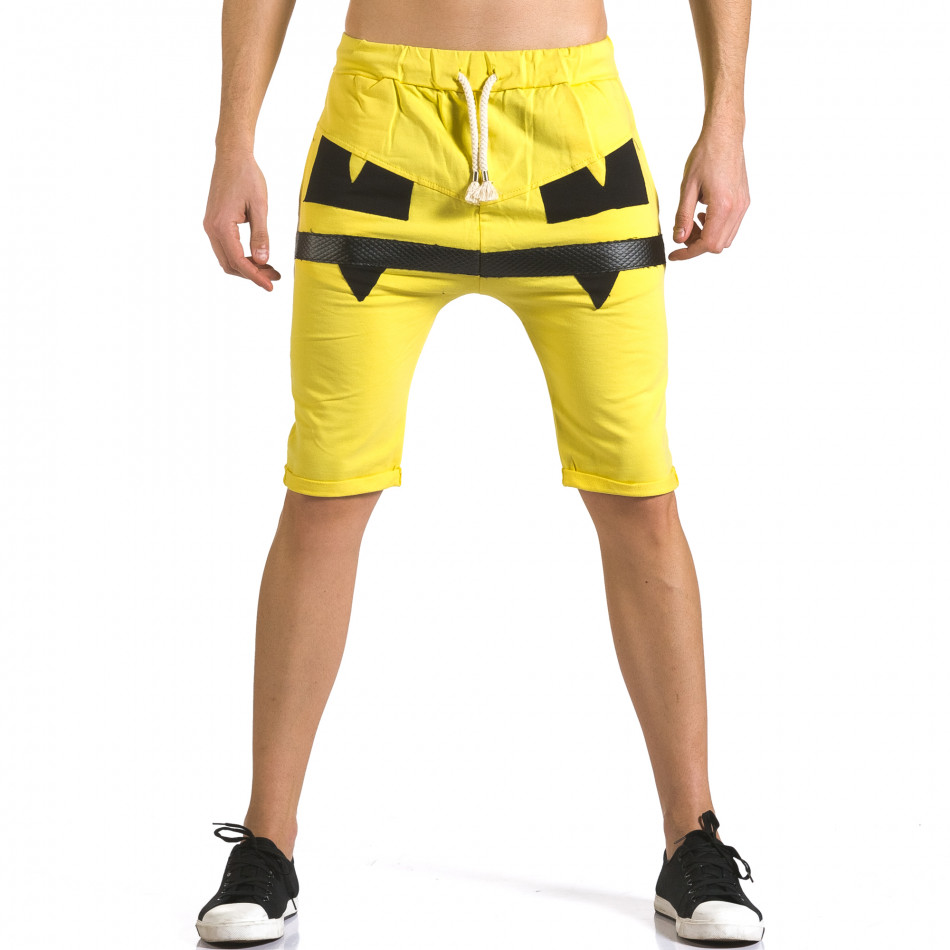Мъжки жълти шорти с черни детайли it110316-75