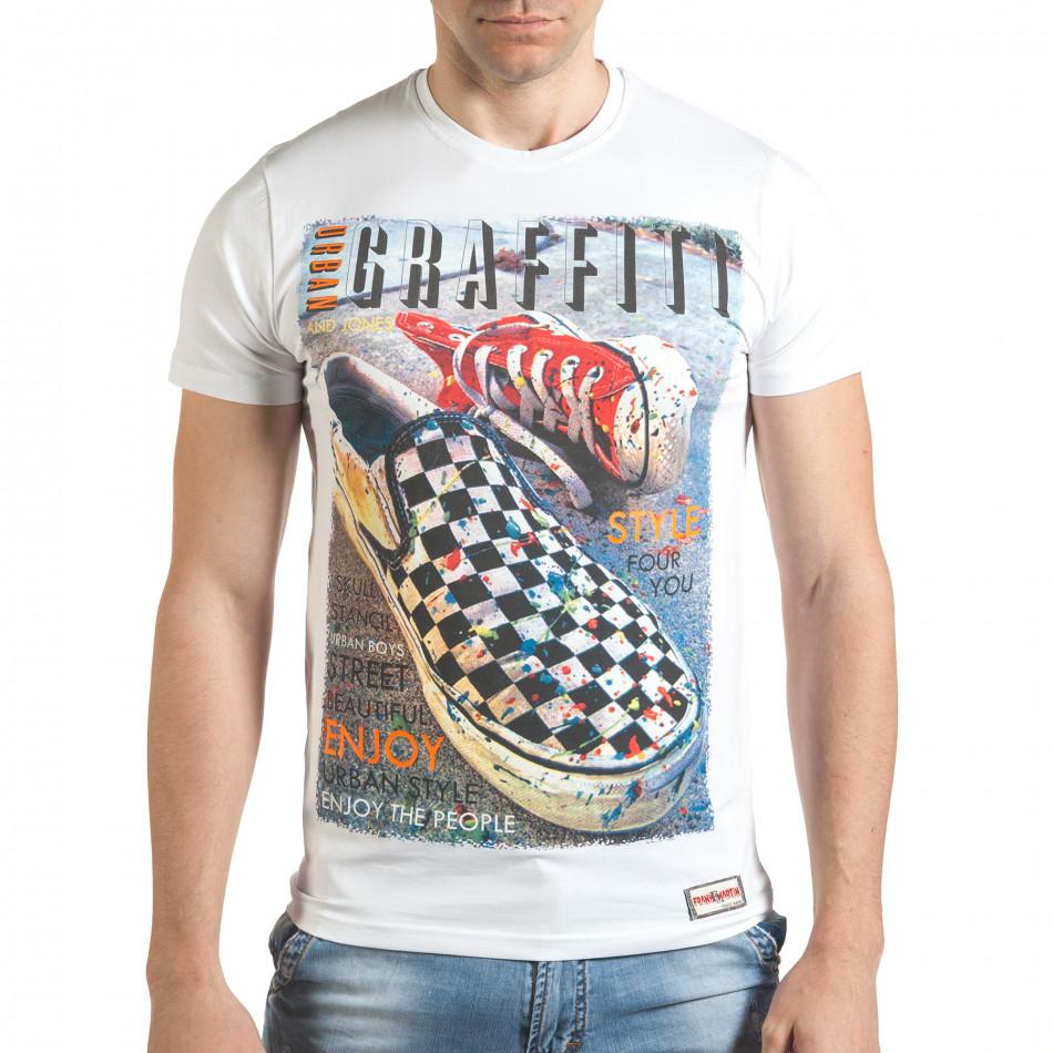 Бяла мъжка тениска с принт кецове tsf140416-71