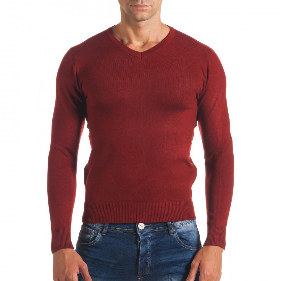 Мъжки червен изчистен пуловер с остро деколте it170816-49