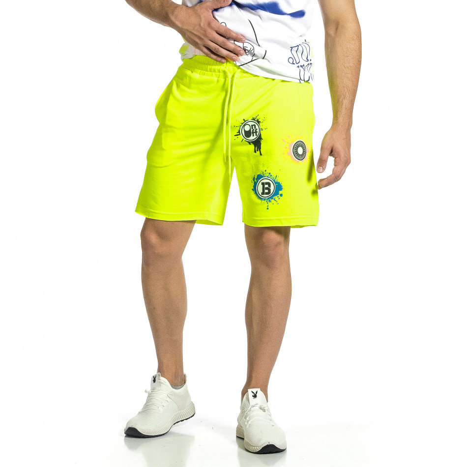 Трикотажни мъжки шорти жълт неон с принт tr150521-21