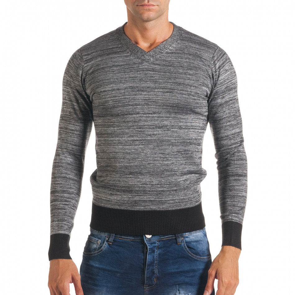 Мъжки сив пуловер с остро деколте it170816-11
