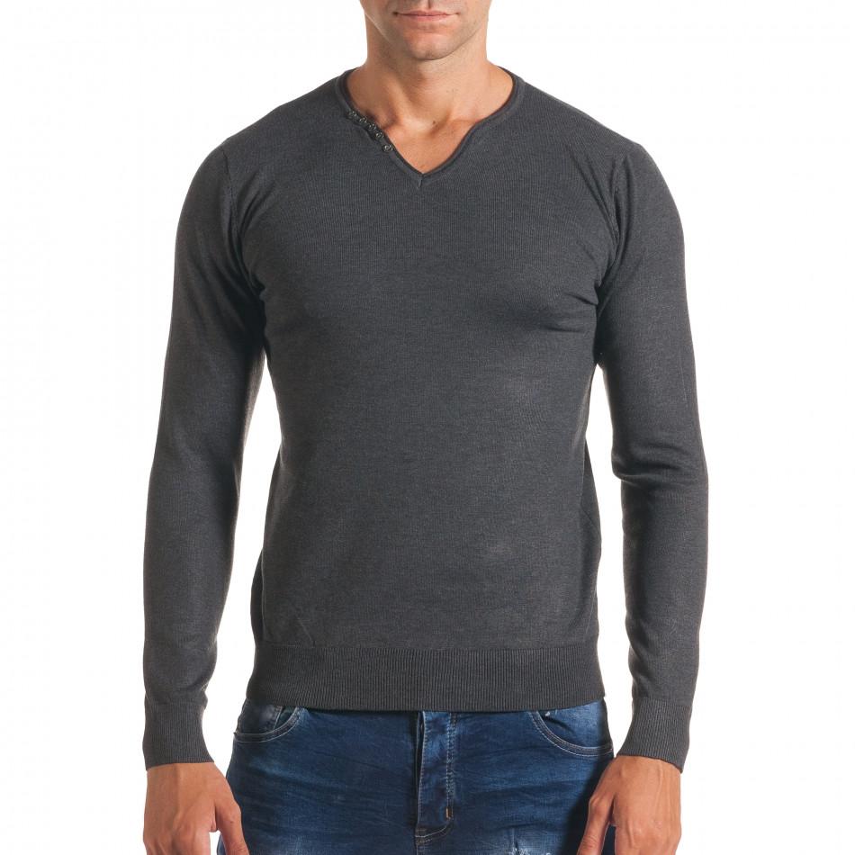Мъжки сив пуловер с малки копчета на деколтето it170816-38