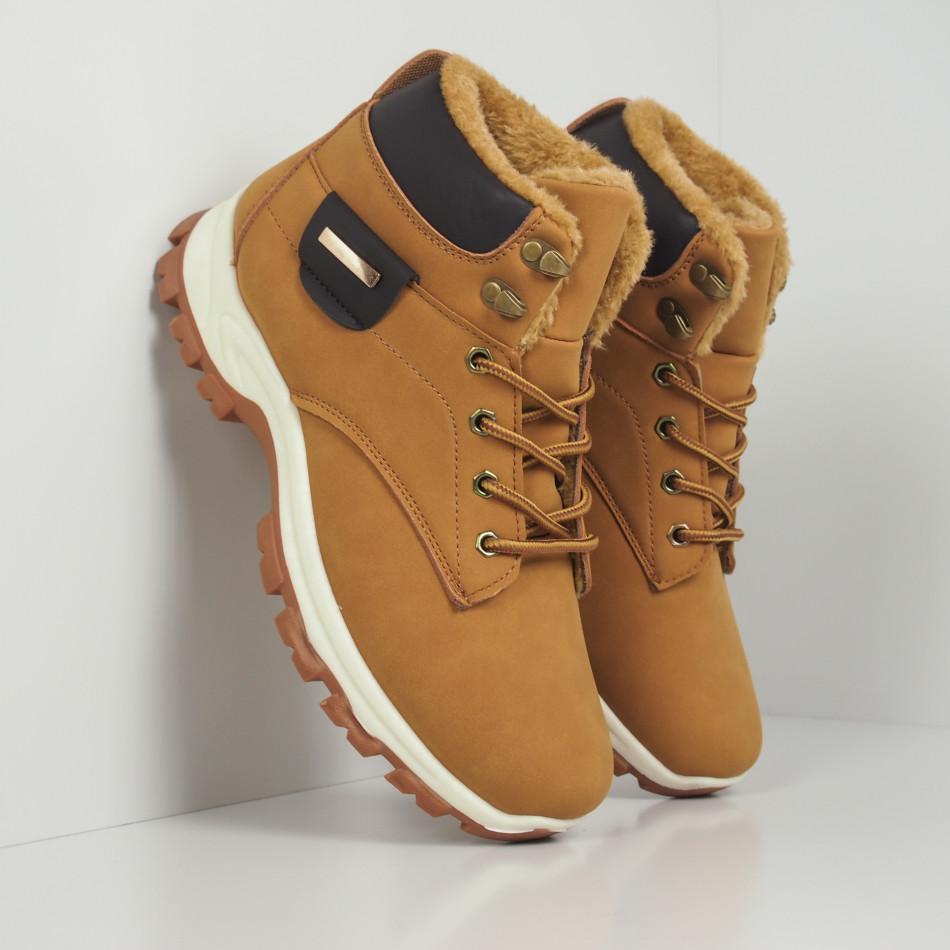 Мъжки трекинг обувки в цвят камел it260919-29