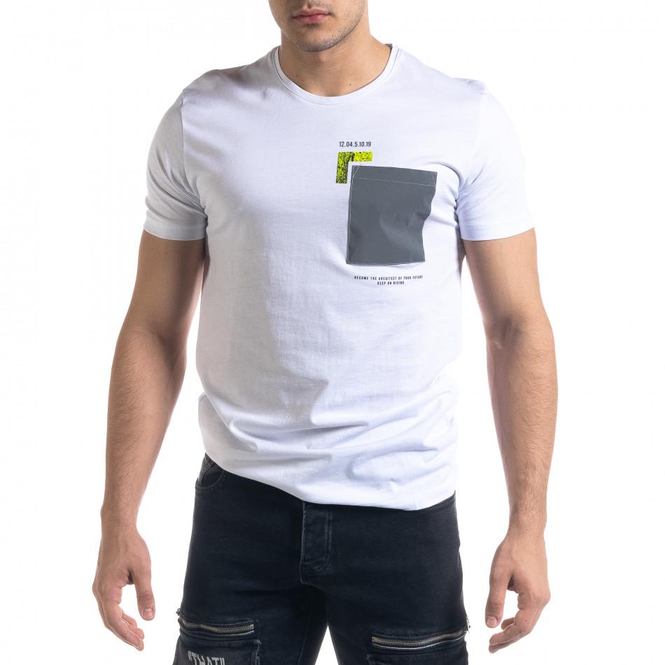 Бяла мъжка тениска с джоб tr110320-39
