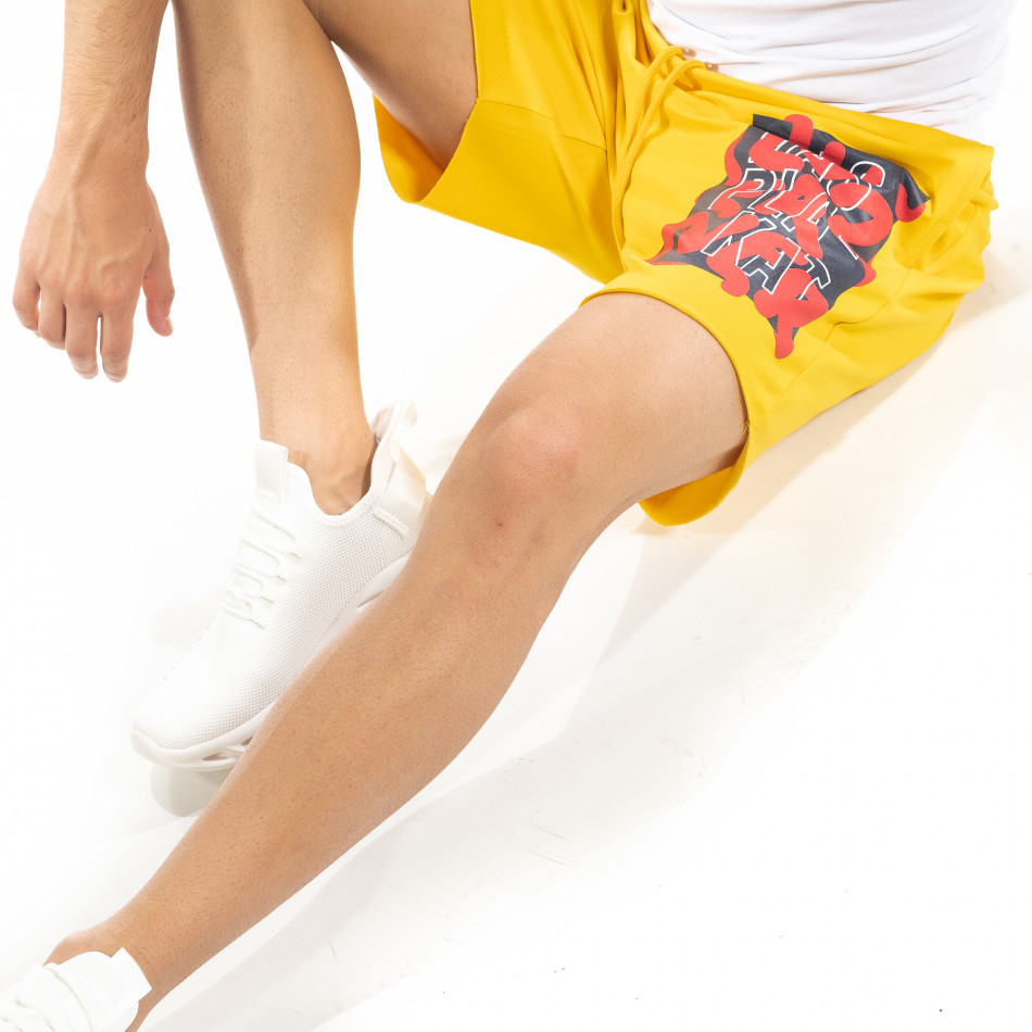 Мъжки жълти тренинг шорти с принт tr240420-21