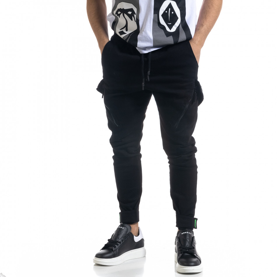 Мъжки черен панталон със затягащи маншети tr110320-128