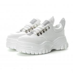 Ултрамодерни дамски маратонки в бяло 2