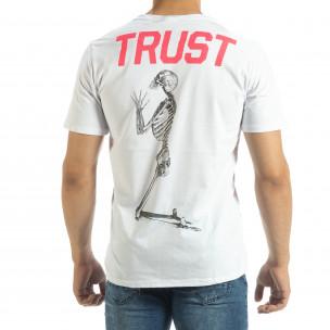 Бяла мъжка тениска Pray Trust  2