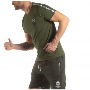 Зелена мъжка тениска с лого кант 2