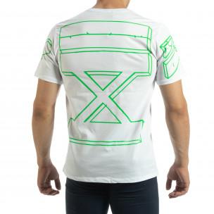 Бяла мъжка тениска зелен принт на гърба  2