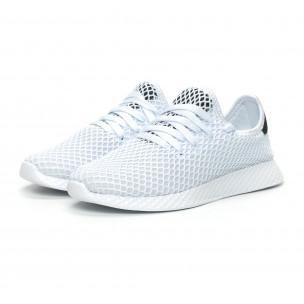 Ултралеки дамски маратонки Mesh в бяло 2
