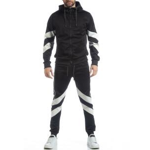 Мъжки черен спортен комплект с V ивици  2