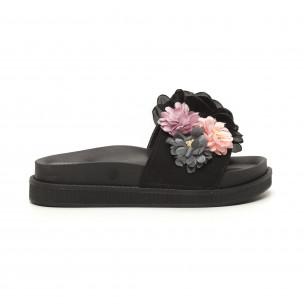 Дамски черни чехли с богата декорация