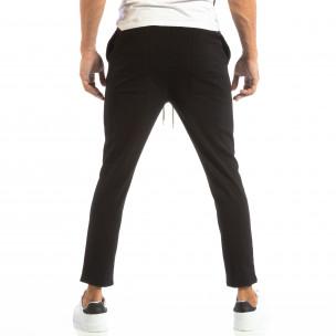 Лек мъжки панталон тип Jogger в черно 2
