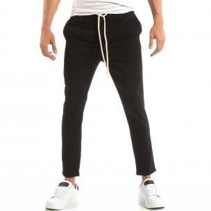 Лек мъжки панталон тип Jogger в черно