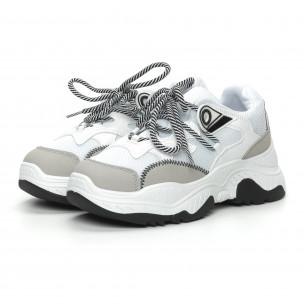 Хитови дамски маратонки в бяло и сиво 2