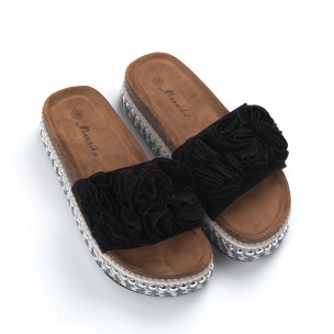 Дамски черни чехли на платформа с декорация 2
