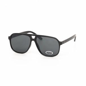 Черни класически трапецовидни слънчеви очила