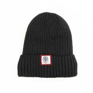 Зимна шапка в черно с подплата