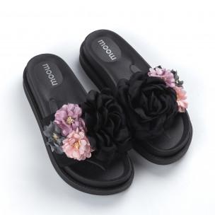 Дамски черни чехли с богата декорация  2